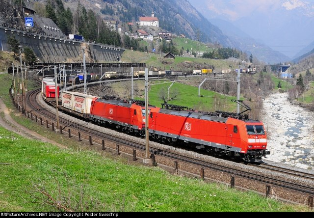 DB Schenker Intermodal Train from Germany to Italy, Photo: P.Trippi-Services ©