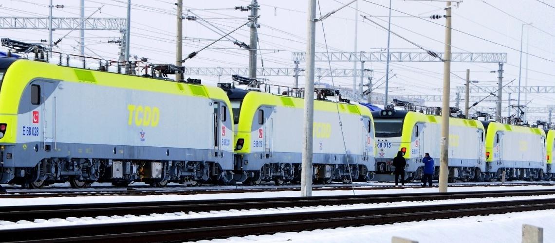 312 - TCDD E68000 locos - Peider