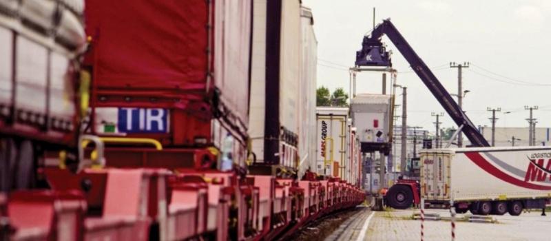 630 - Trailer train by Un Roro