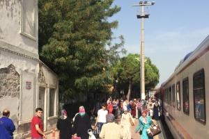 740 - Tren yolcuları - Onur