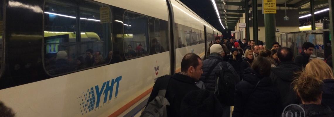 827 - YHT yolcuları - Onur